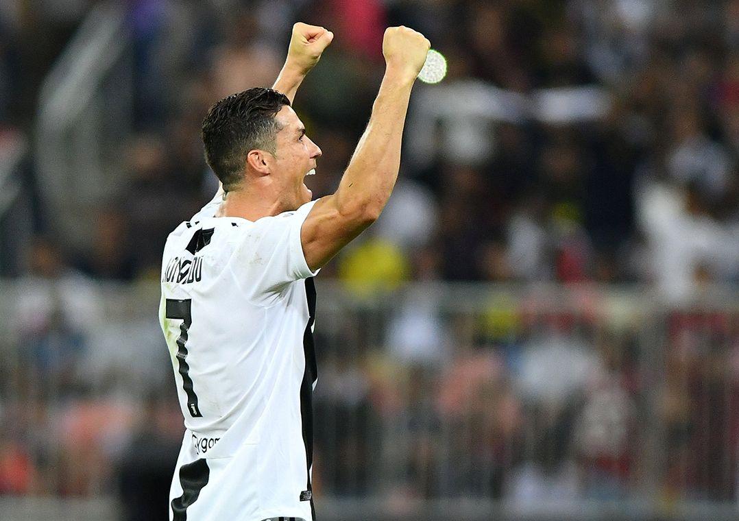 CR7 marca, Juventus bate o Milan e conquista Supercopa da Itália