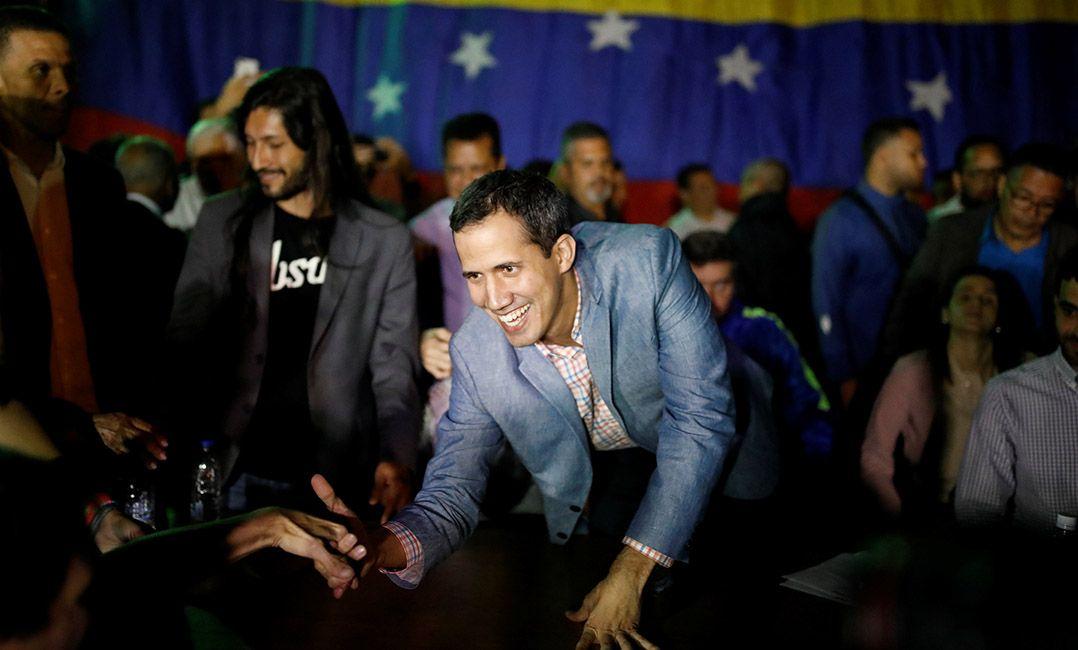 Bolsonaro fala em restabelecer democracia na Venezuela