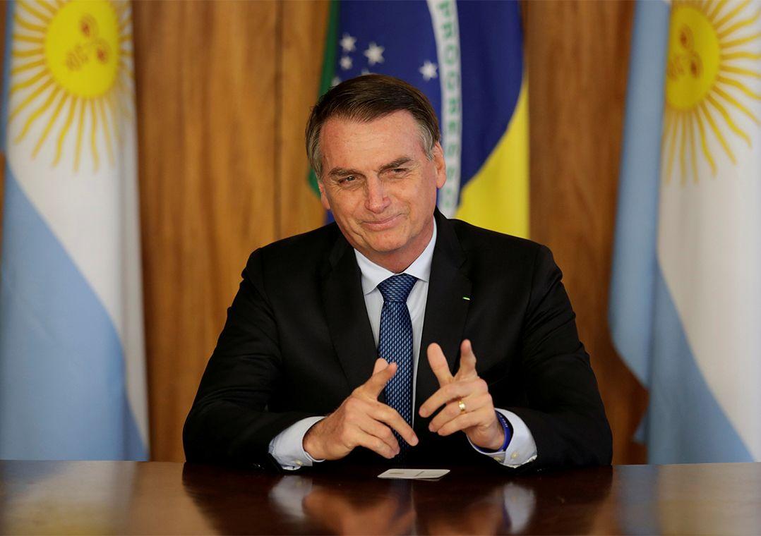 Davos: Comitiva de Bolsonaro conta com 5 ministros, Apex e um filho