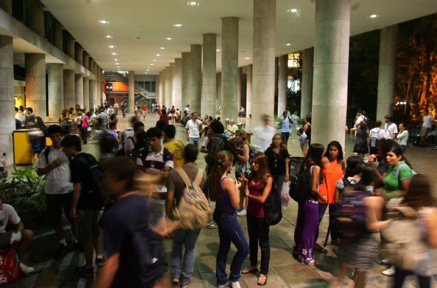 Pesquisa aponta avanço da nova classe média nas universidades brasileiras / Fábio Motta/AE