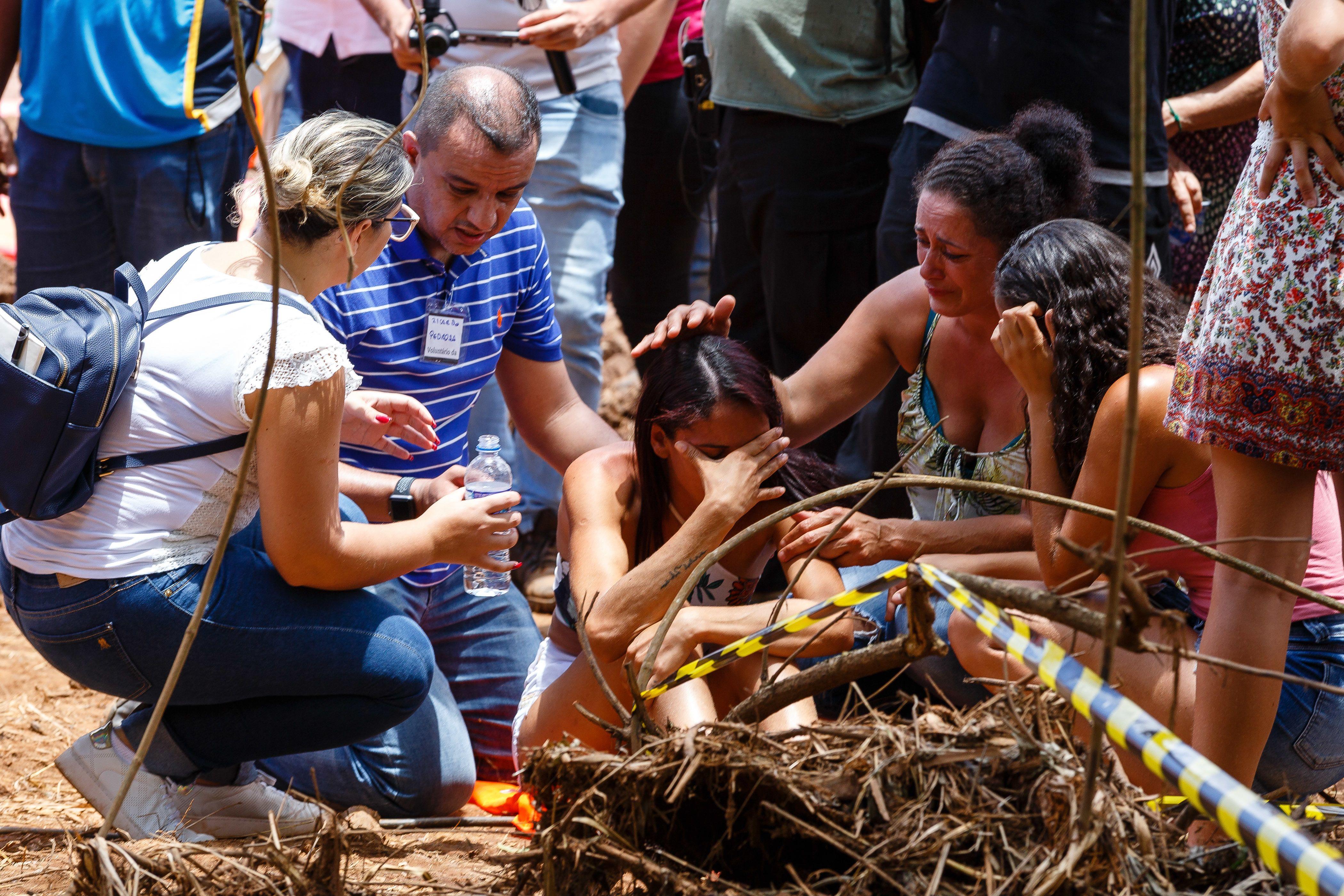 Sobreviventes de Brumadinho relatam dor e resiliência um mês após a ... ab7b704cd36a0