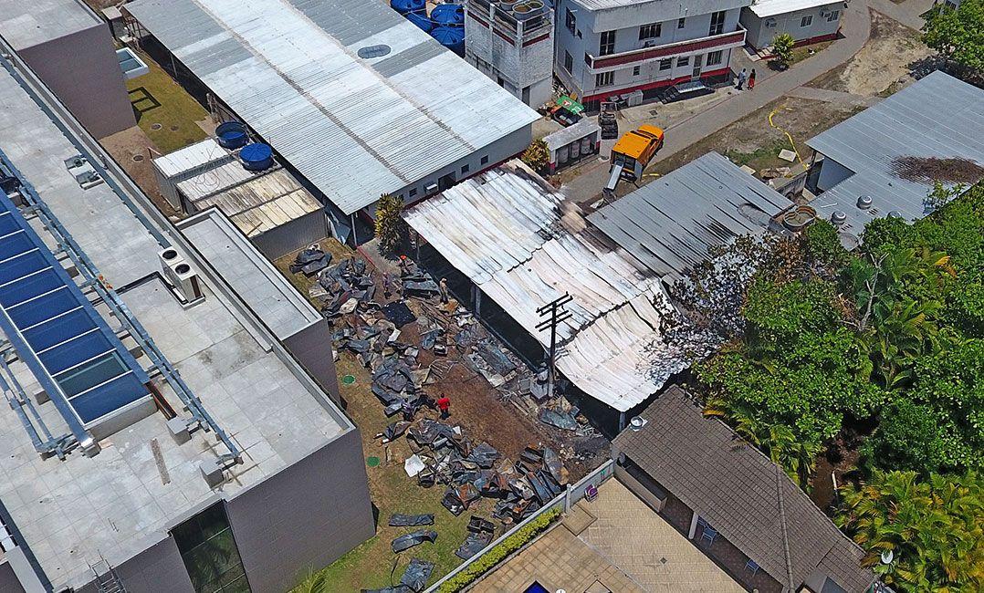 MP denuncia 11 pessoas pelo incêndio que matou 10 jovens no Ninho do Urubu em 2019