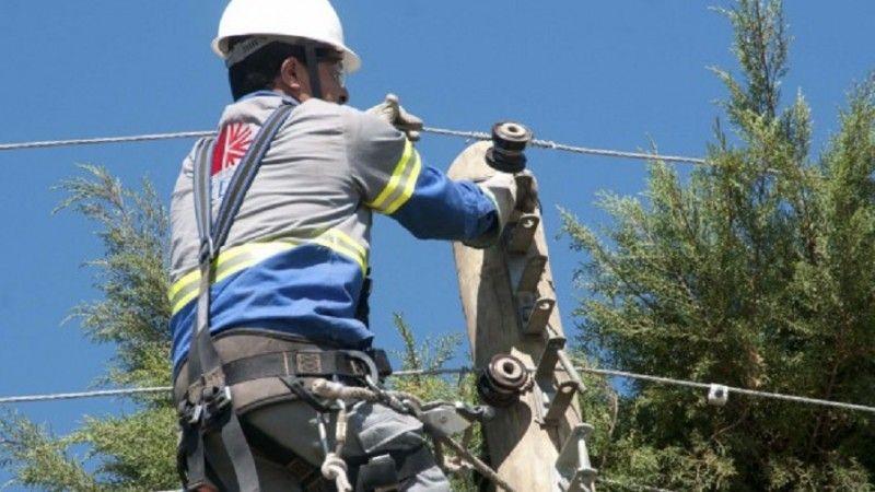 CEEE retira meia tonelada de cabos inativos na Região Central de PoA