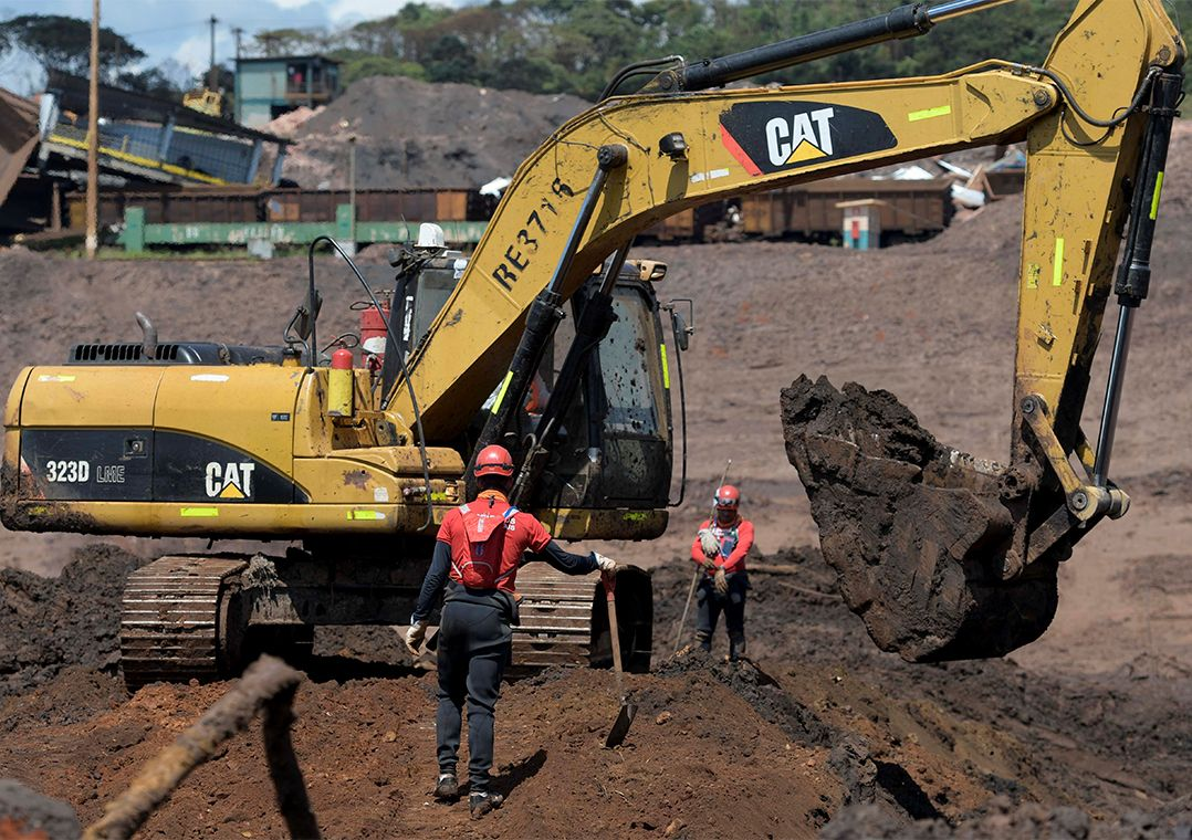 Exames detectam excesso de metais em quatro bombeiros de Brumadinho