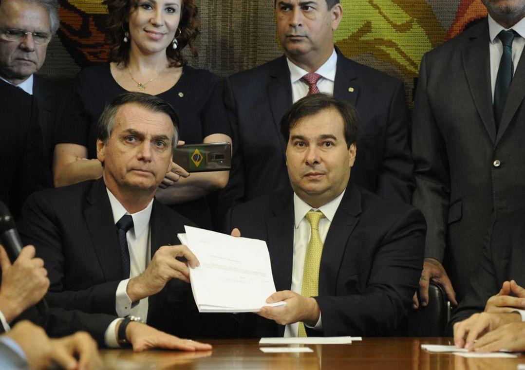 Maia exalta visita de Bolsonaro ao Congresso e elogia reforma