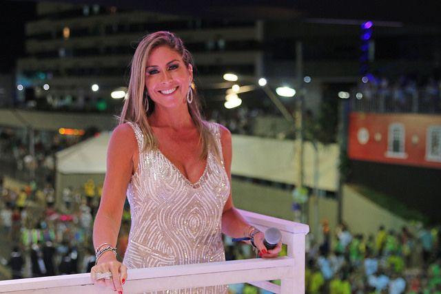 Patricia Maldonado comemora 10 anos de Band Folia em Salvador - Band.com.br 9f6e22e8e3067