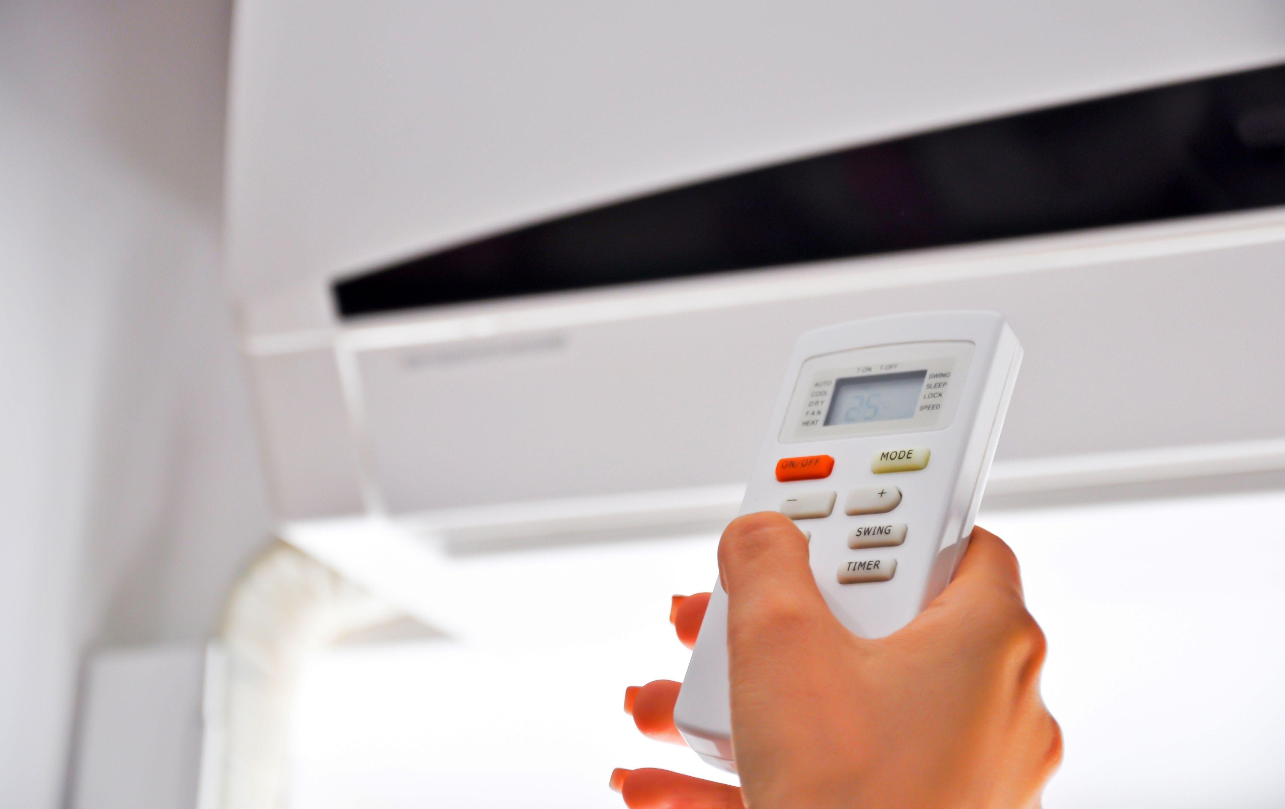 Ar-condicionado é usado para fugir do calor intenso / Divulgação