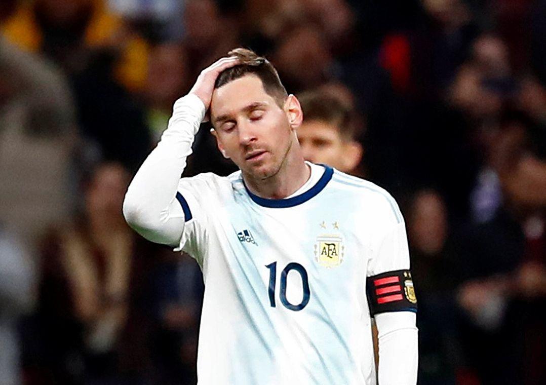 Com retorno apagado de Messi, Argentina perde da Venezuela