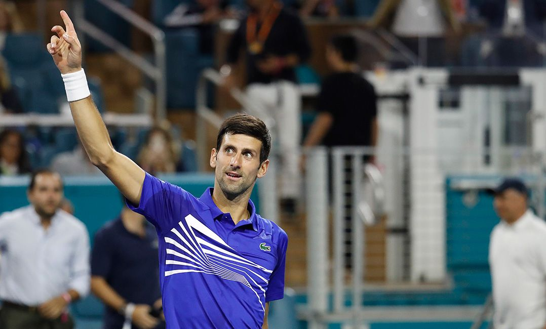 Djokovic vence australiano na estreia em Miami
