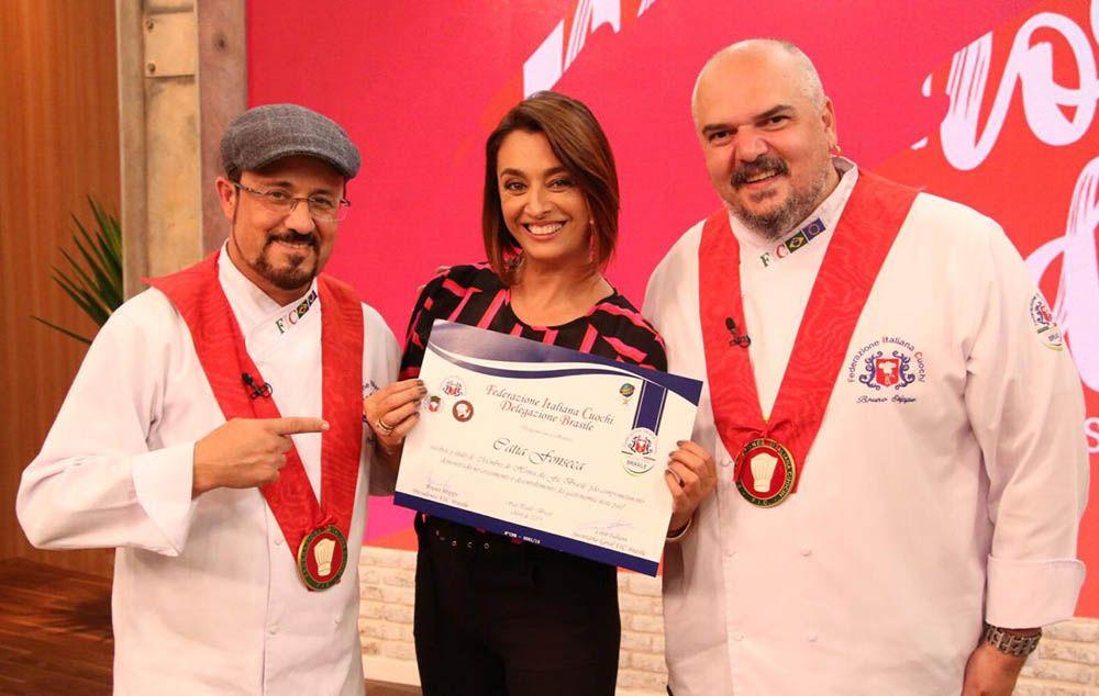 Catia Fonseca recebe título por contribuição à gastronomia