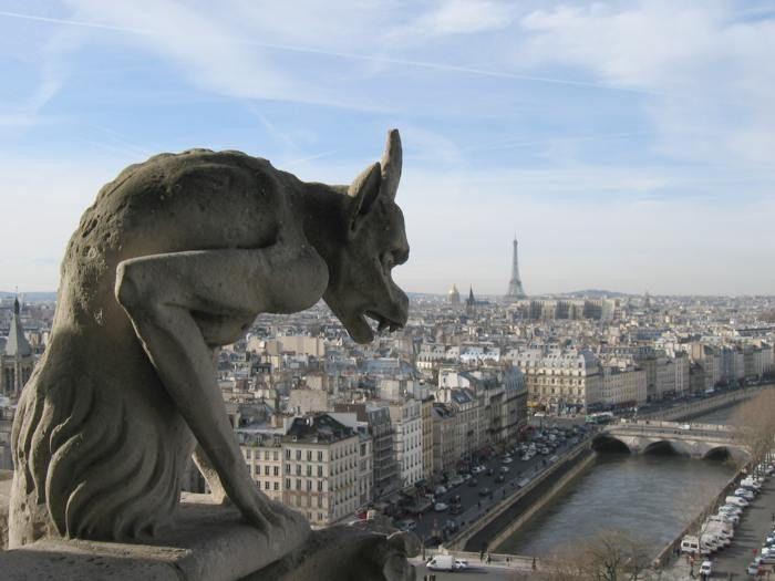 Uma das gárgulas da Catedral de Notre Dame