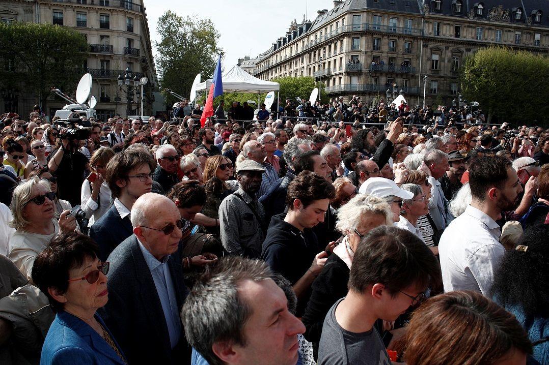 Povo francês se une para reconstrução da Catedral de Notre-Dame