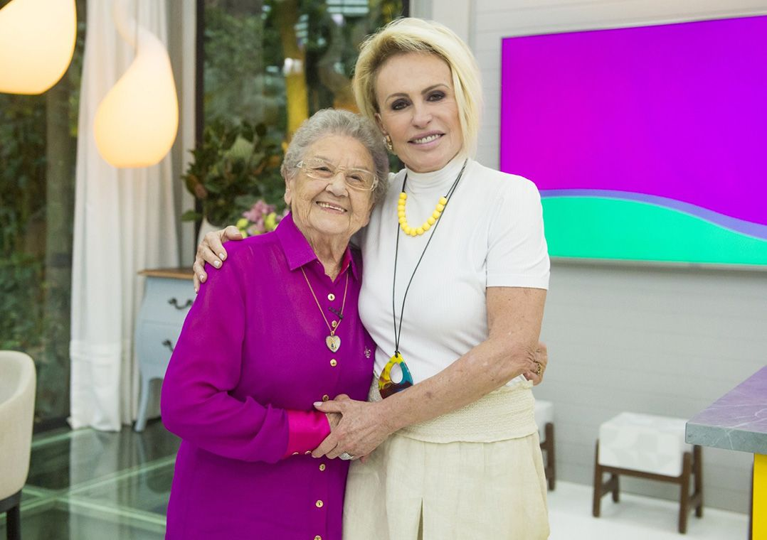 Palmirinha visita Ana Maria Braga e se emociona: 'Hoje posso morrer'