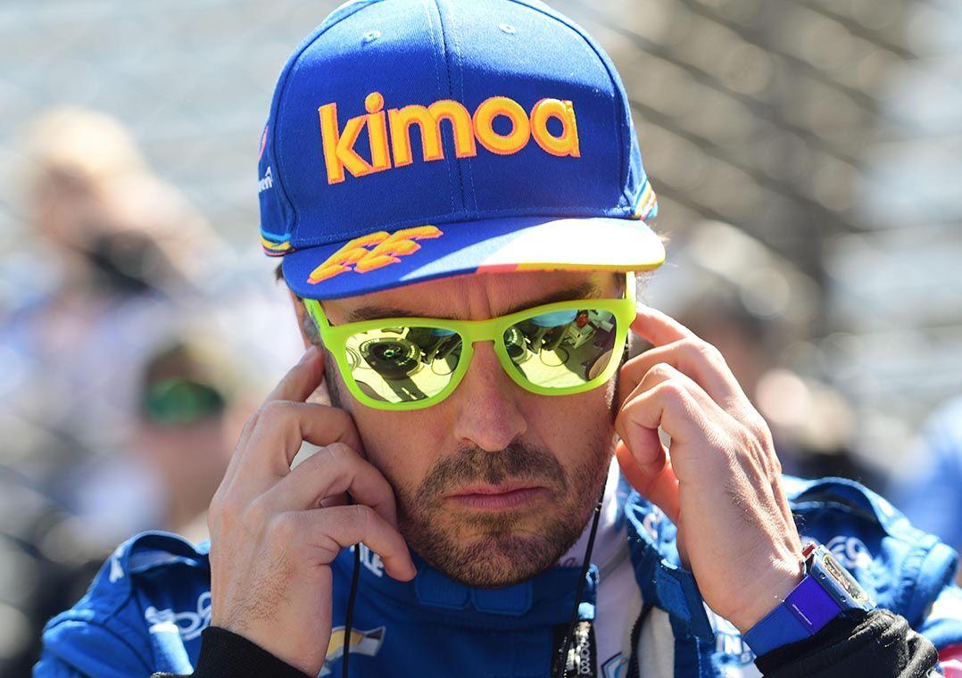 Alonso flerta com Rally Dakar e começa programa de preparação