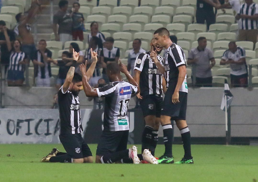 Grêmio perde para o Ceará, segue sem vencer e na degola