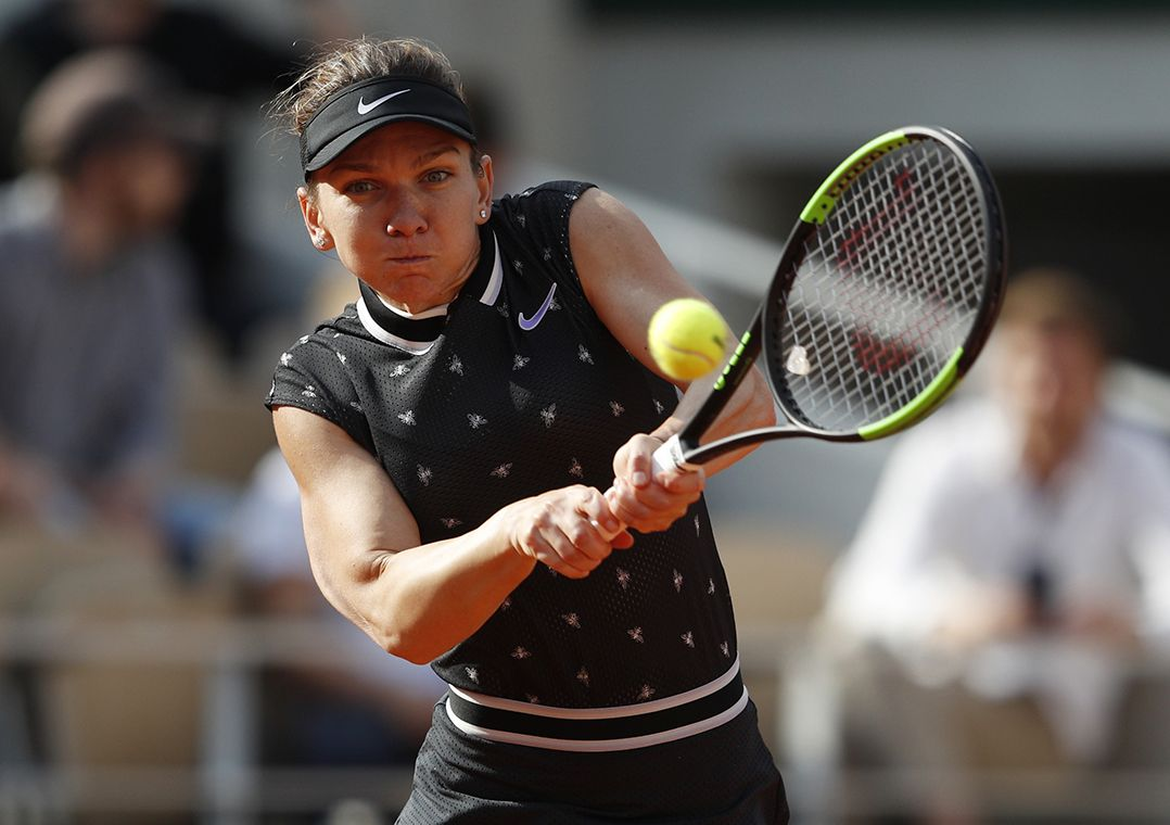 Halep arrasa polonesa e avança às quartas de final em Roland Garros