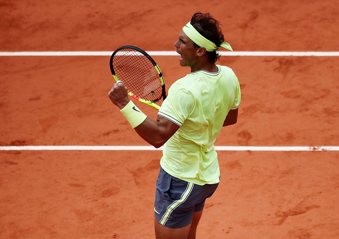 Nadal supera ventania, bate Federer pela 6ª vez em Paris e vai à final