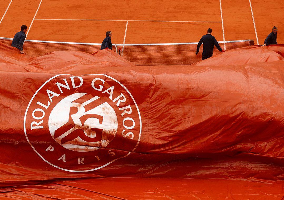 Semi entre Djokovic e Thiem é paralisada pela chuva
