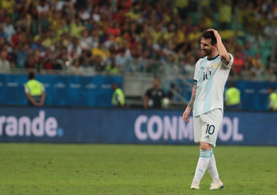 Messi durante o duelo com a Colômbia: abatimento