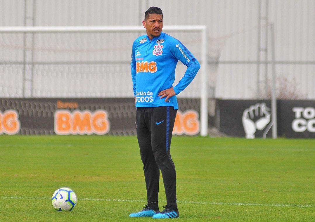 Saída de Ralf deve ser a única alteração em relação ao time que enfrentou o CSA / Antônio Cícero/Photopress/Estadão Conteúdo