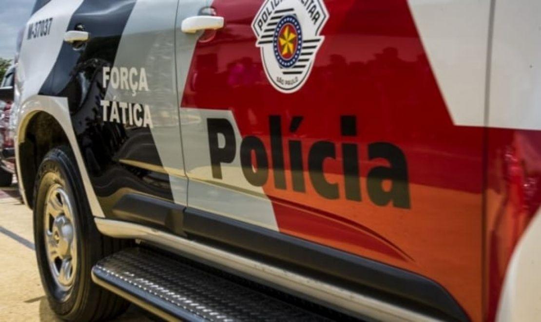 Dois morrem e um adolescente é baleado em acerto de contas em Cruzeiro
