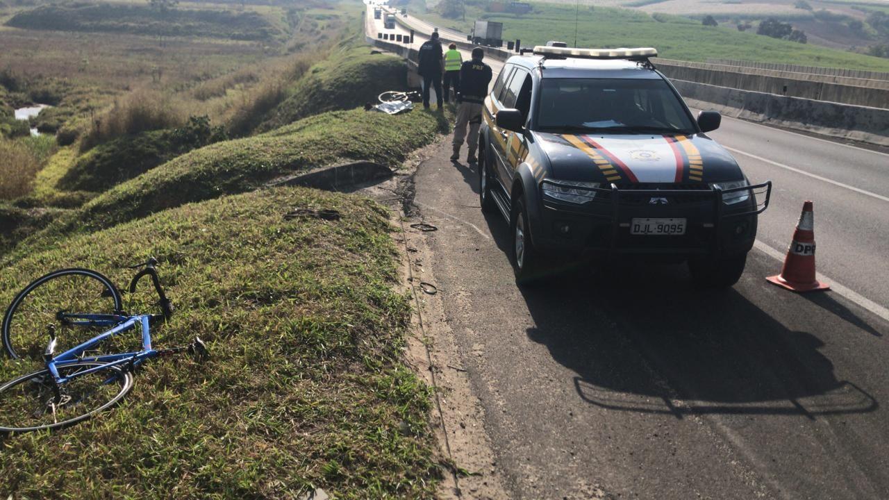 Bicicletas utilizadas pelos ciclistas durante o acidente / Divulgação/PRF
