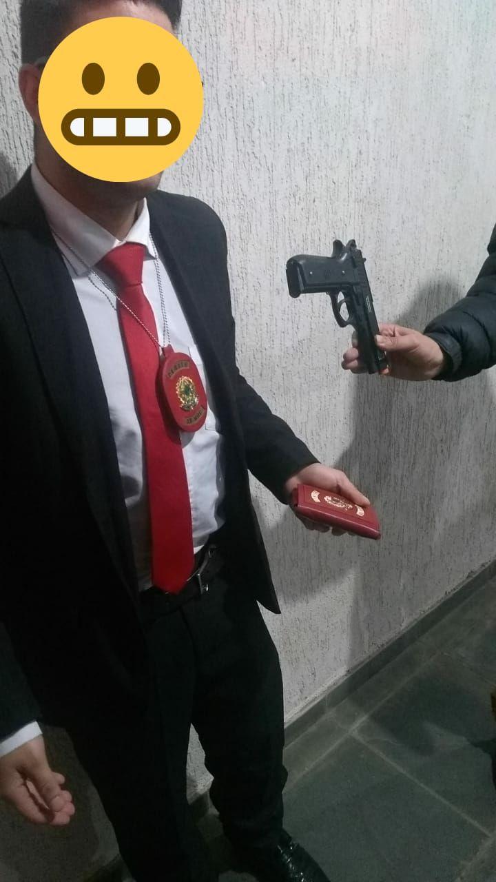 Homem se faz de policial para conseguir preferência em Ps de Campos