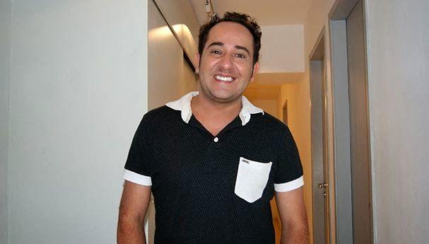 Diego Becker vive o personagem Miro no Melhor da Tarde da Band