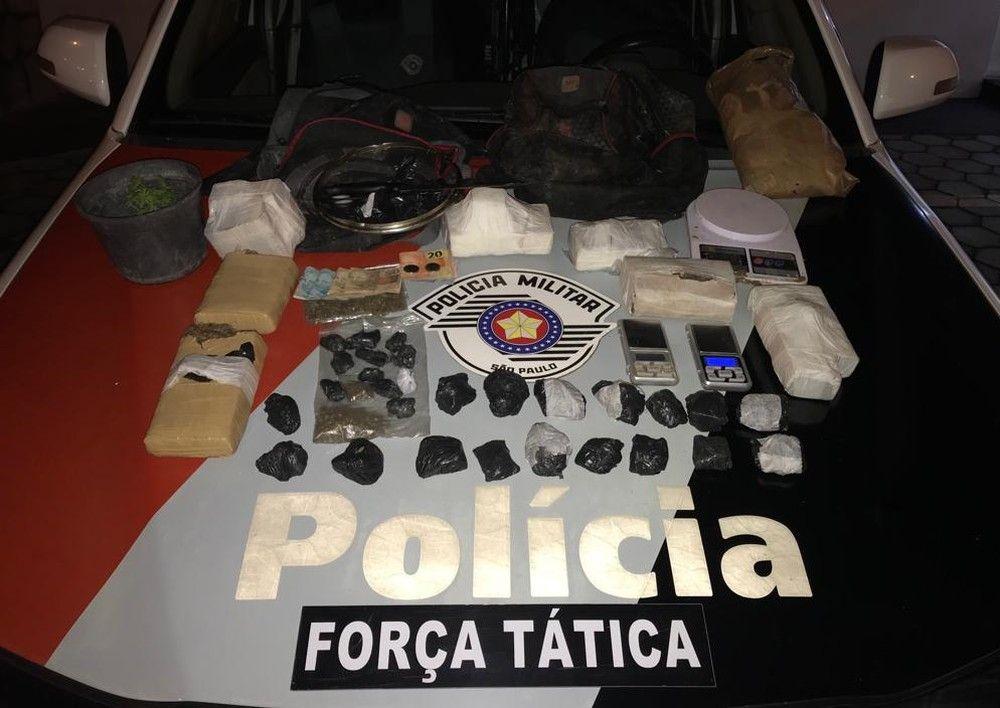 Dupla é detida por tráfico de drogas em Guaratinguetá