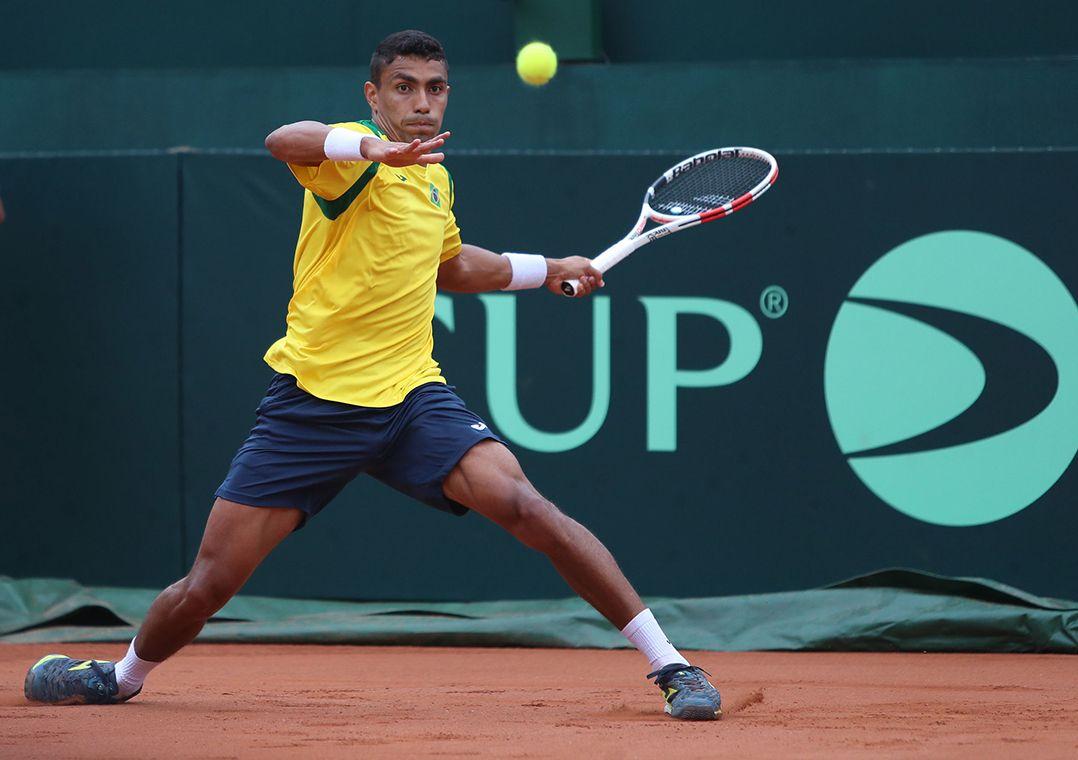 Monteiro vence rival sem ranking e Brasil empata com Barbados na Davis