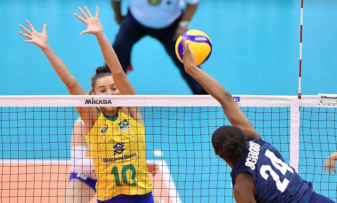 Resultado de imagem para Seleção feminina de vôlei é atropelada pelos EUA e cai para 6º na Copa do Mundo