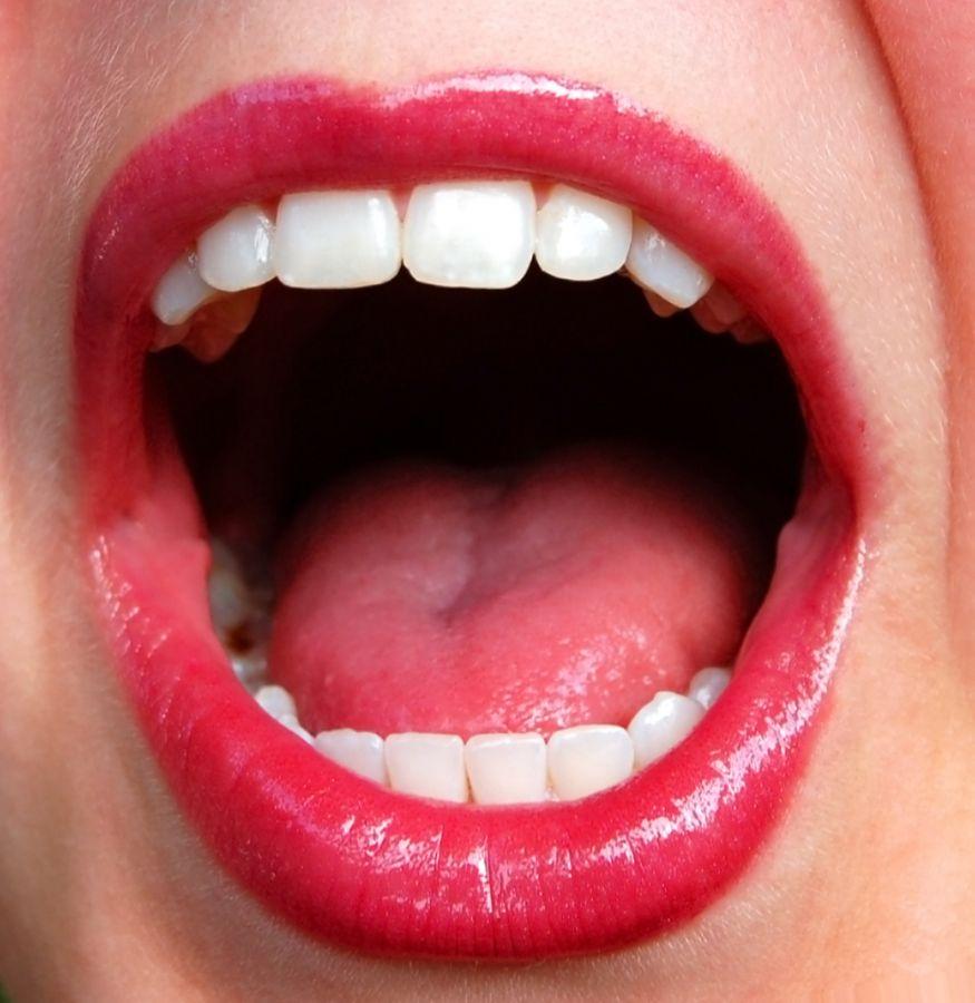 Gestantes também devem escovar os dentes no mínimo três vezes ao dia