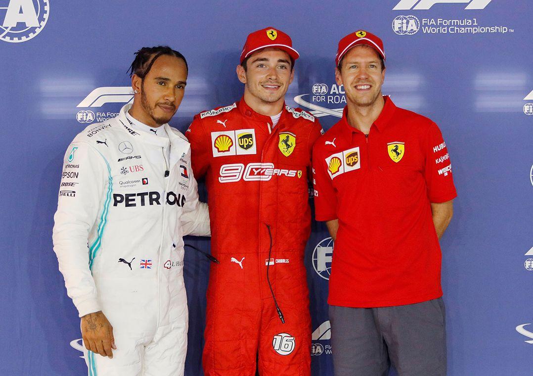 Leclerc supera Hamilton e Vettel e conquista 3ª pole consecutiva