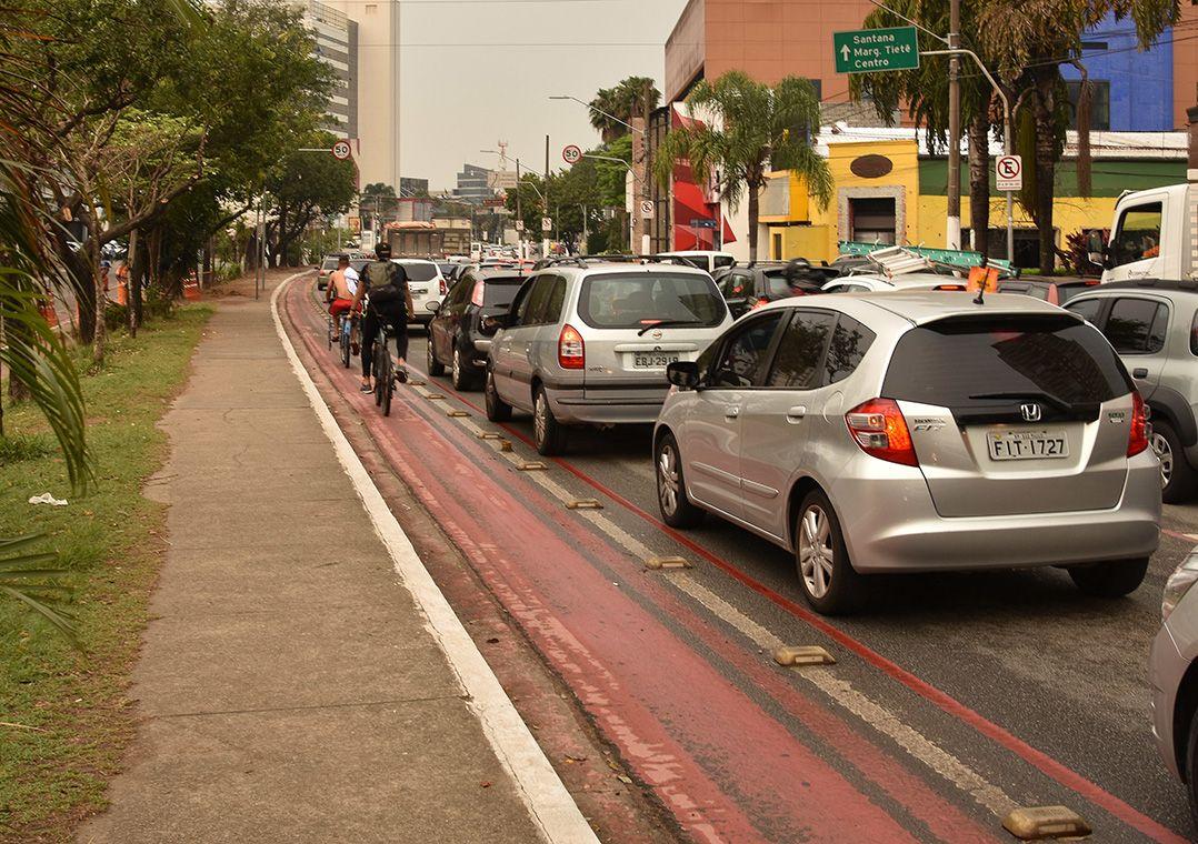Até agora apenas 9 km de ciclofaixas foram reformadas / Roberto Casimiro/Estadão Conteúdo