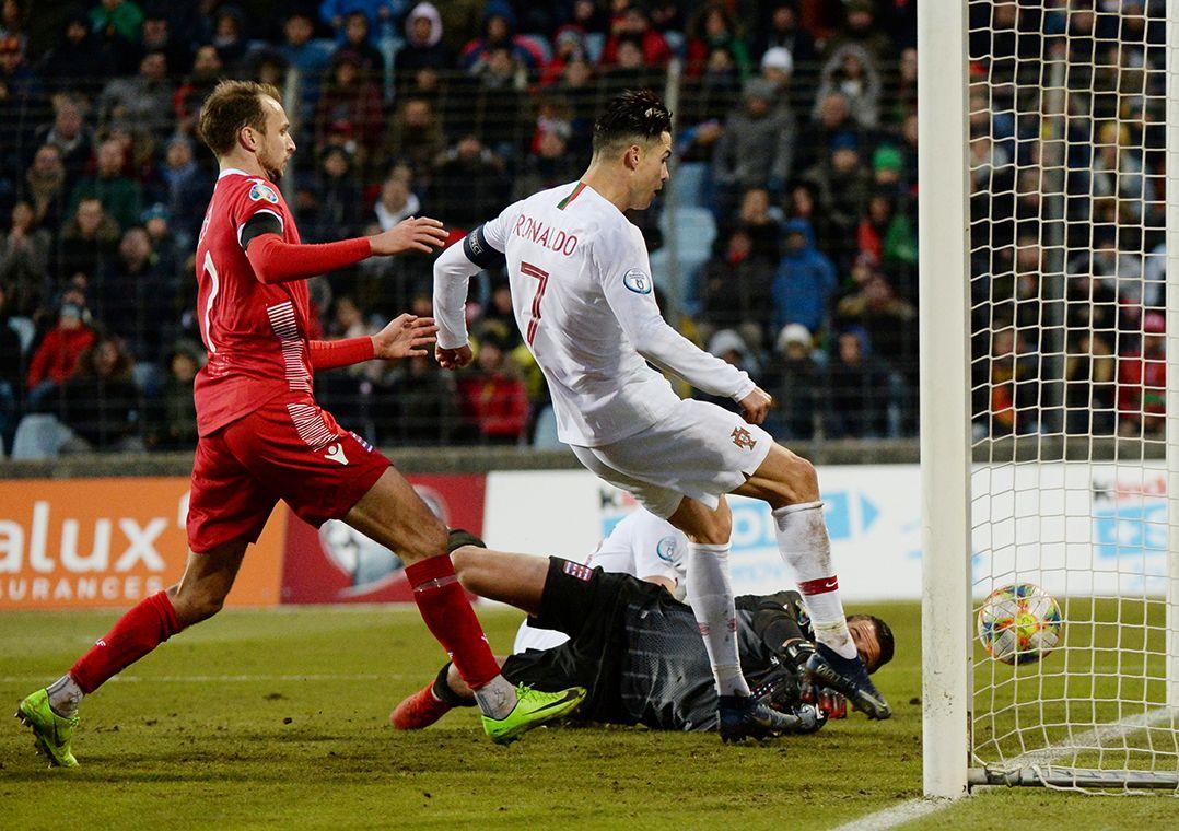 Portugal vai defender o título conquistado em 2016 / Johanna Geron/Reuters