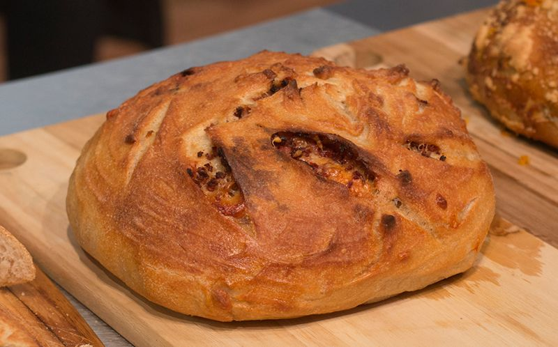 Pão recheado de calabresa