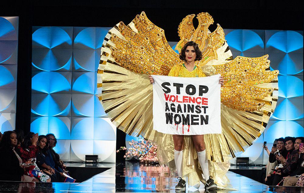 Júlia Horta protestou contra a violência contra a mulher