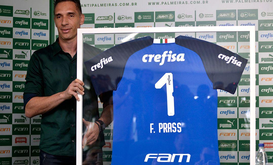 Em despedida, Prass indica Mattos como responsável por sua saída