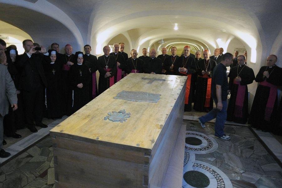 A beatificação de João Paulo II acontecerá neste domingo
