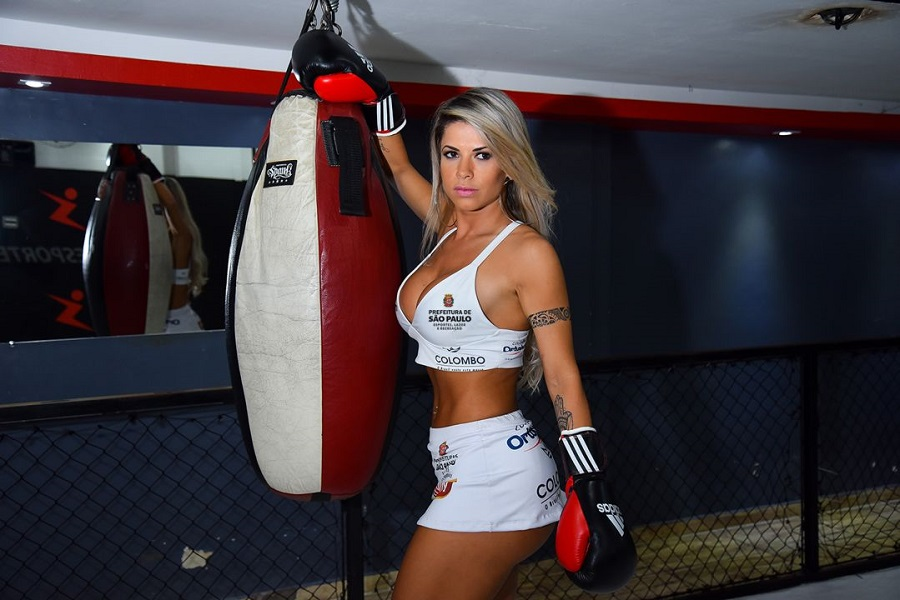 Ex-BBB Cacau Colucci será ring girl no Jungle Fight 85