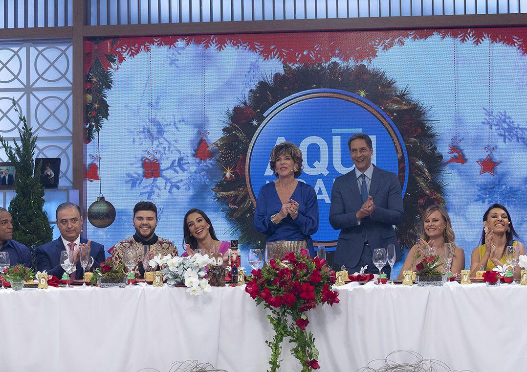 Aqui na Band reúne elenco da emissora em almoço especial de Natal