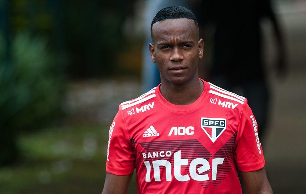 Helinho vira desfalque no São Paulo para jogo de quarta