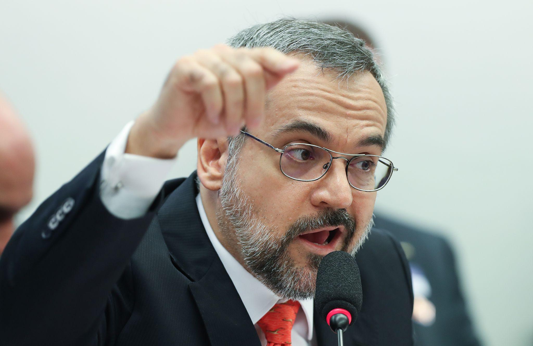 Ministro da Educação classifica Brasília como um câncer.
