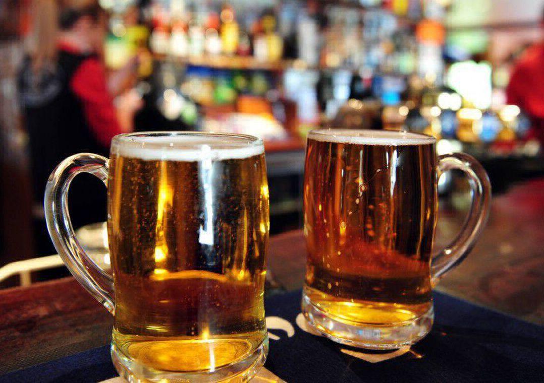 Bares britânicos vão ter que descartar mais de 40 milhões de litros de cerveja