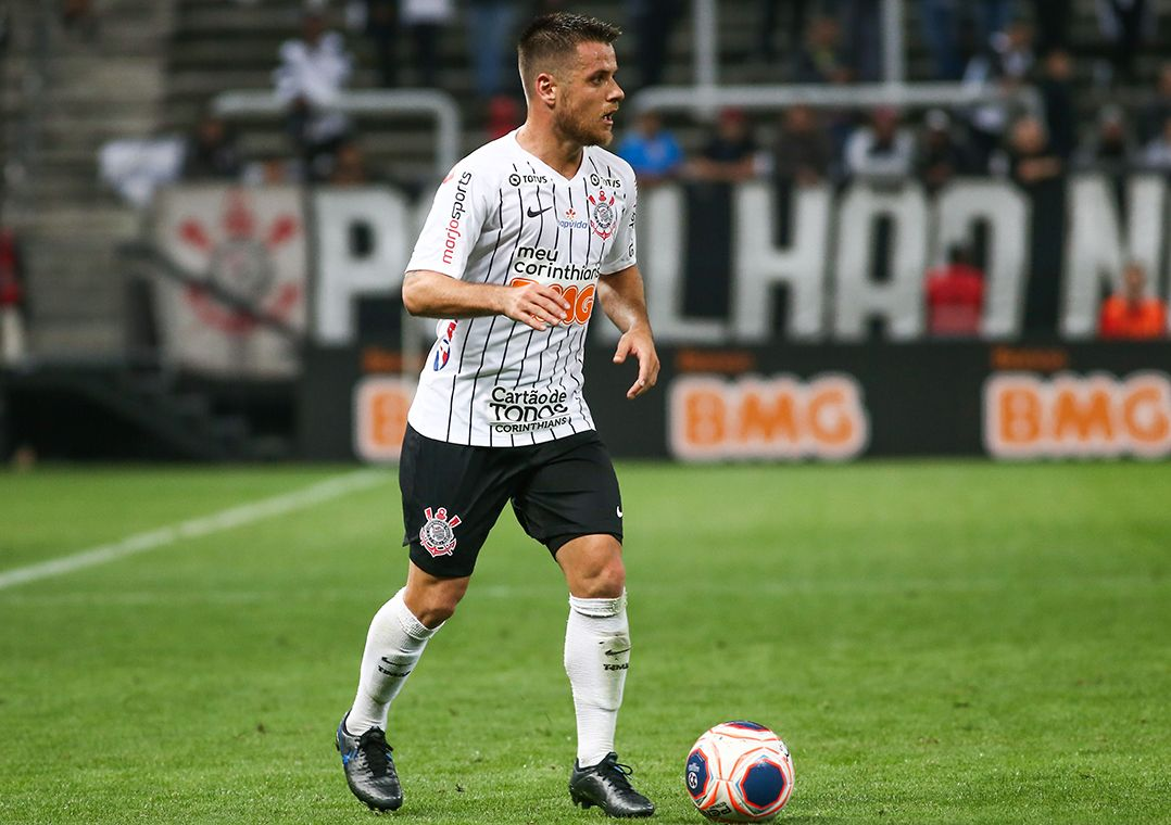 Ramiro pede 'cabeça fria' para Corinthians superar oscilação