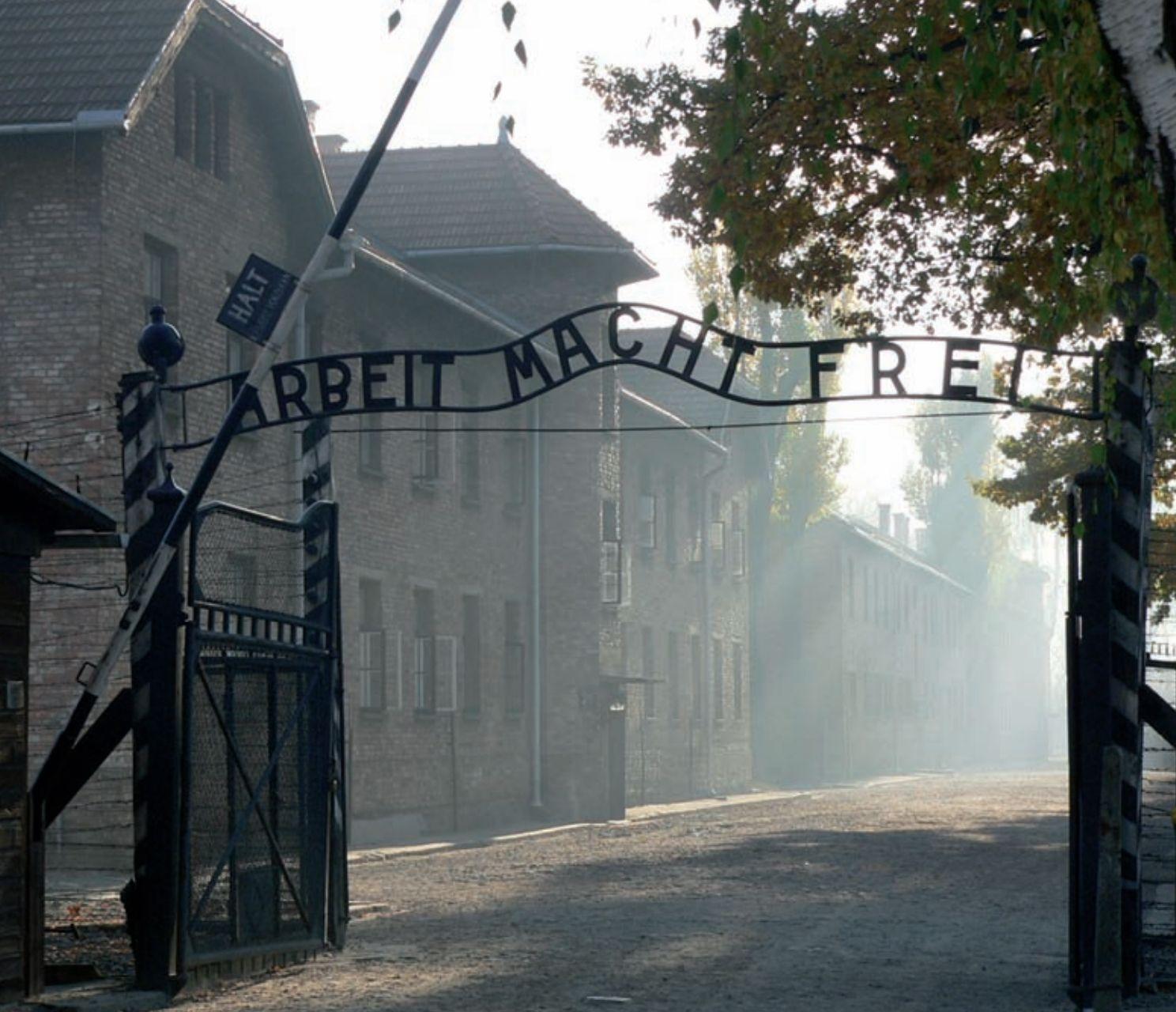 Itamaraty emite nota sobre os 75 anos de libertação de Auschwitz