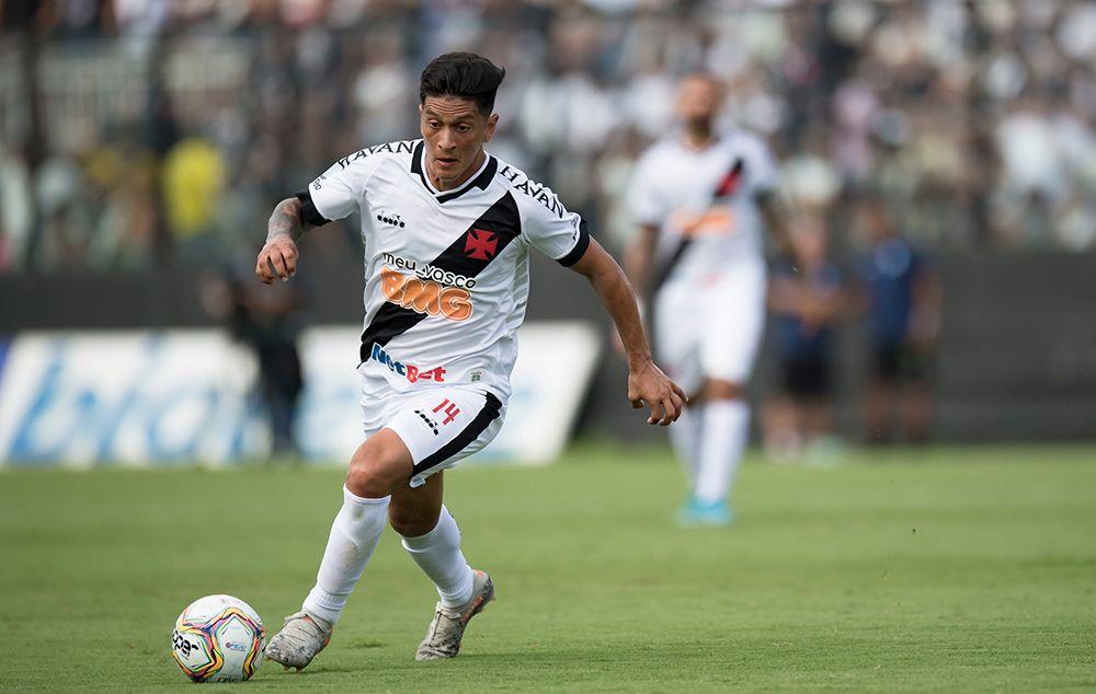 Autor do gol da vitória do Vasco, Cano cobra o pagamento dos salários