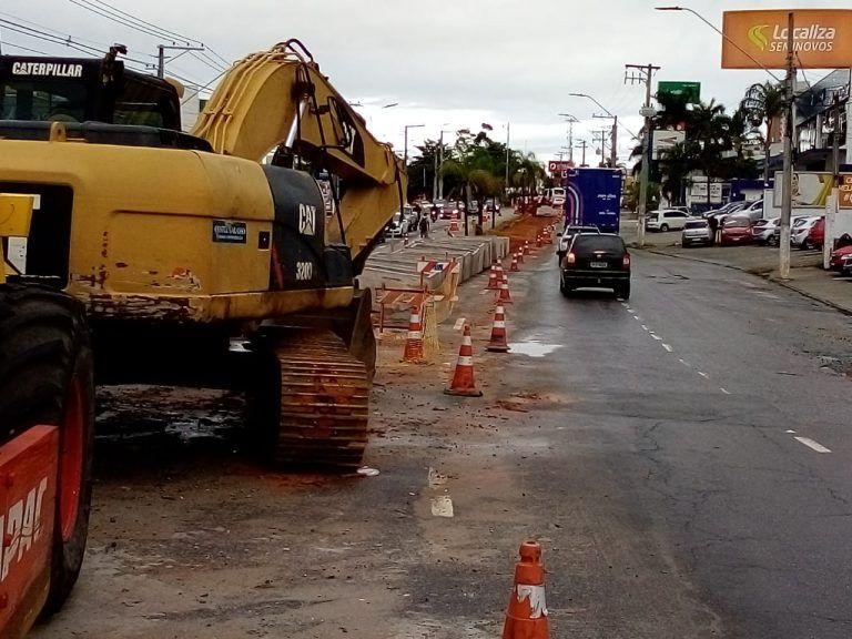 Trecho da avenida Charles Schnneider é interditado para obra de galerias pluviáis / Foto: Prefeitura de Taubaté/Divulgação