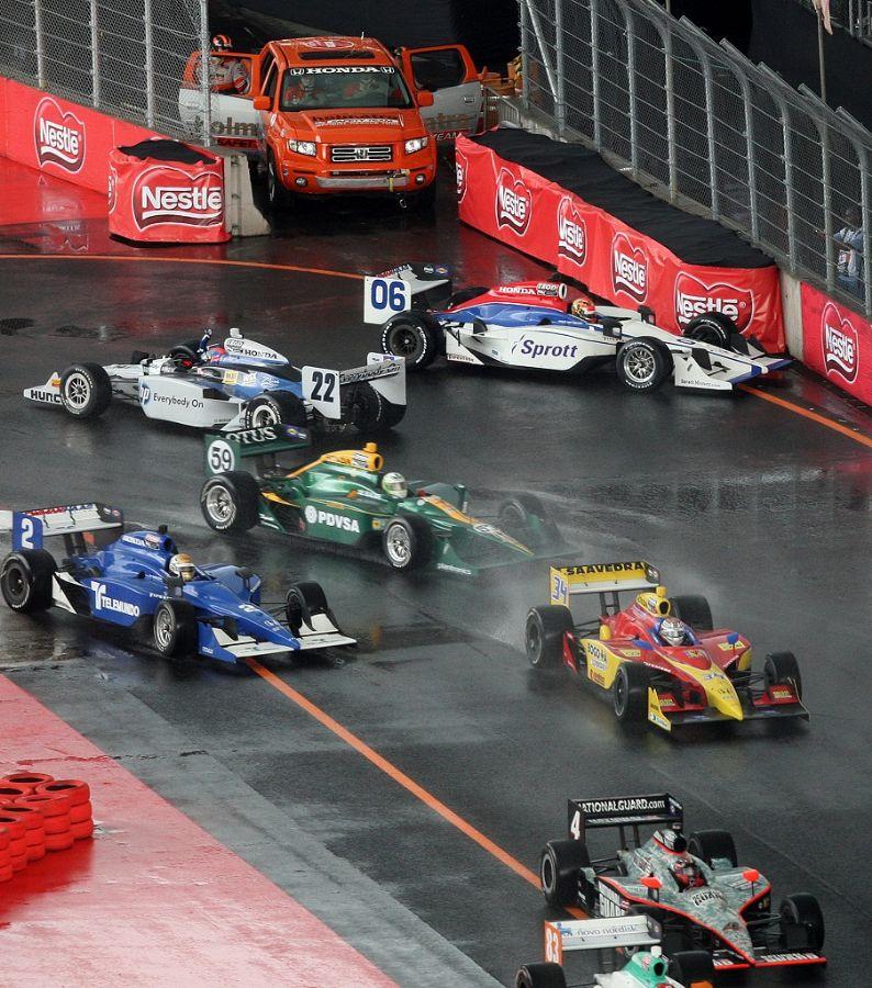 Pilotos se envolveram em confusão na largada e relargada no Circuito do Anhembi