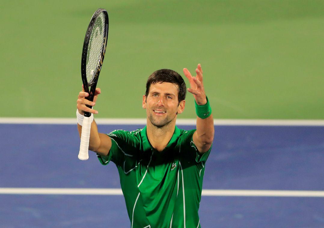 Favoritos, Djokovic e Tsitsipas vencem e avançam às quartas em Dubai